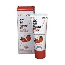 MI Paste Plus- Strawberry w/ recaldent